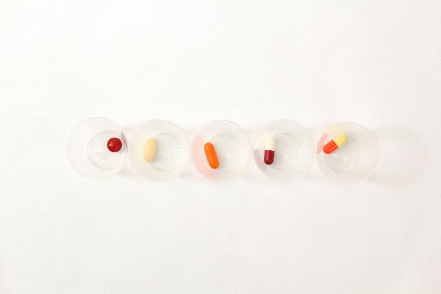 不便さ解消へ「病院に薬局」検討…厚労省反発か