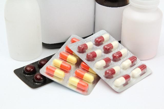 高薬価C型肝炎治療薬、引き下げ競争激化